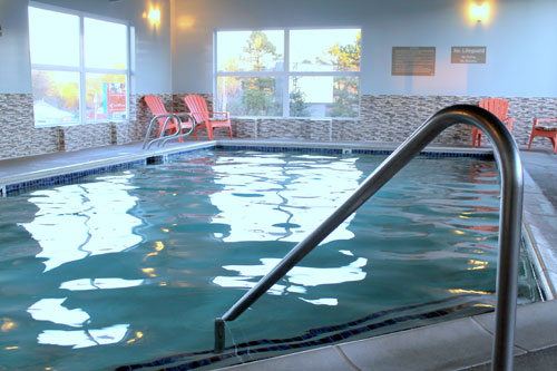 pool at inn at wecoma